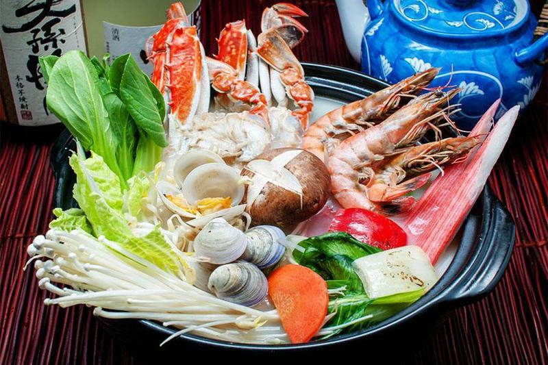 Tiệc đám giỗ trang trọng với các món ăn đầy hấp dẫn